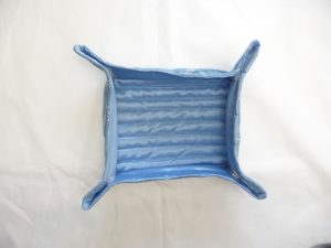 Folded travel tray (Sewn By Tanya project review - Angie's Bits 'N Pieces Travel Trays)