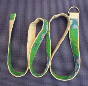 Sewn By Tanya Sewing Tutorial: No-Webbing Yoga Strap | No-Webbing Yoga Strap on a yoga mat
