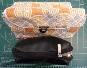 Sewn By Tanya Sewing Tutorial: Re-sizing PDF Patterns part 1: 2 different cosmetic bags